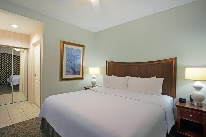 King-1-Bedroom-3